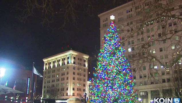 pioneer courthouse square christmas tree 12242014_108678