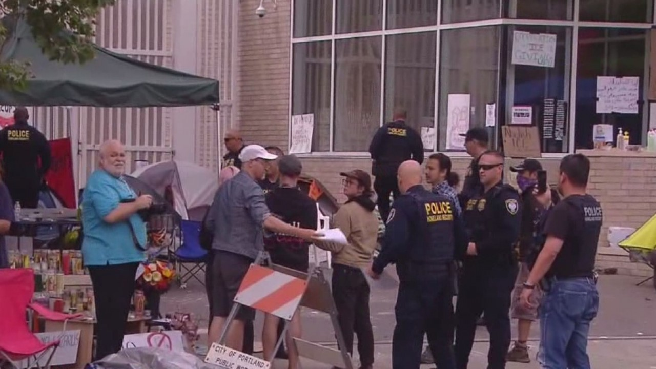Occupy_ICE_protesters_told_to_leave_prop_1_20180625231527