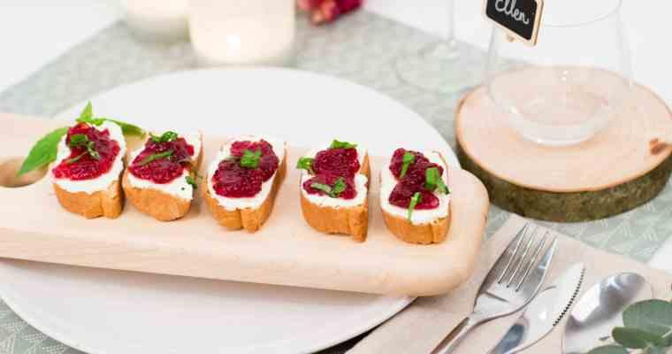 Kerstmenu: Bruschetta met veenbes & roomkaas