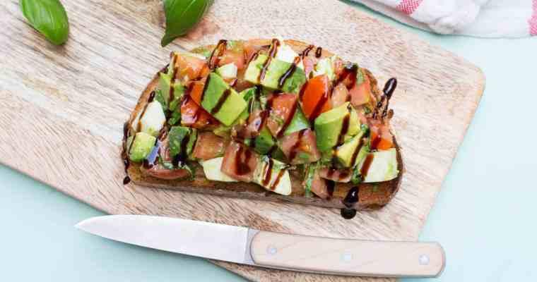 Toast avocado caprese