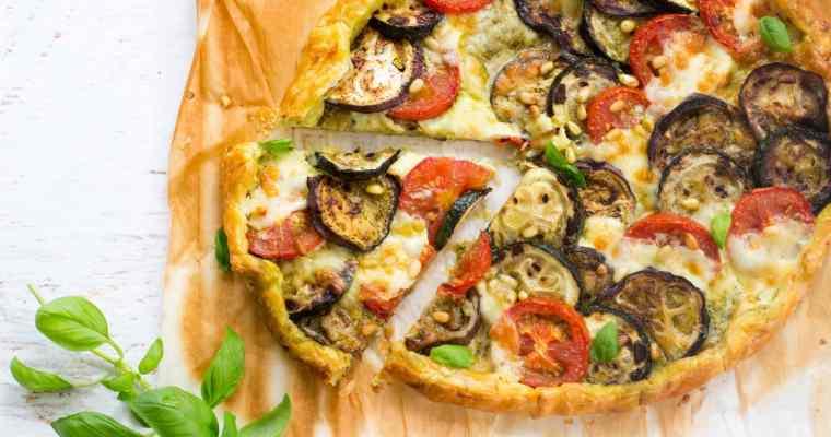 Hartige groententaart met mozzarella & gegrilde groenten