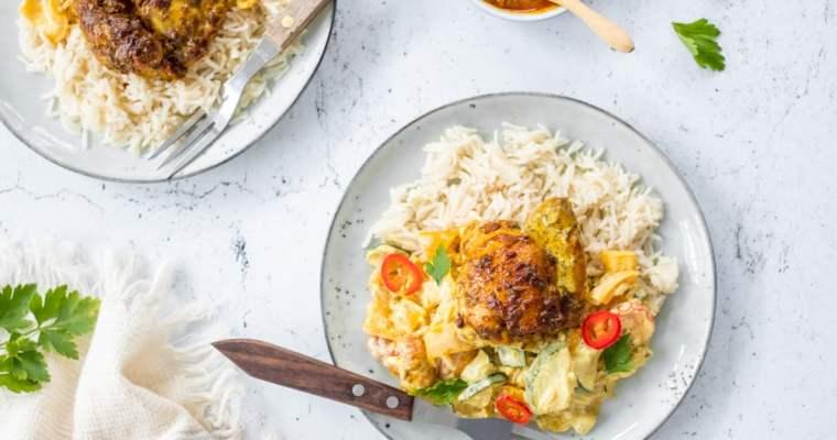 Curry kip met groenten uit de oven