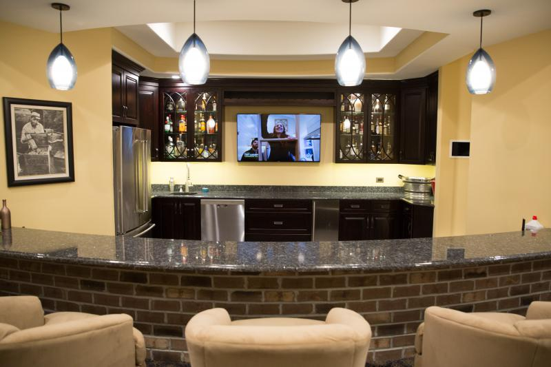 Home Bar  Fitness Room Galleries in Frankfort  Chicagoland  Kole Digital