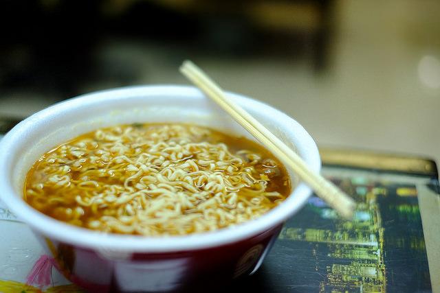 Daniel Go / Wei Wei Premium Beef Instant Noodles (CC BY-NC 2.0)