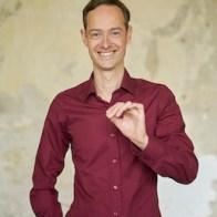 Hendryk Obenaus - Psychologe und Klarheitspfeil LinkedIn