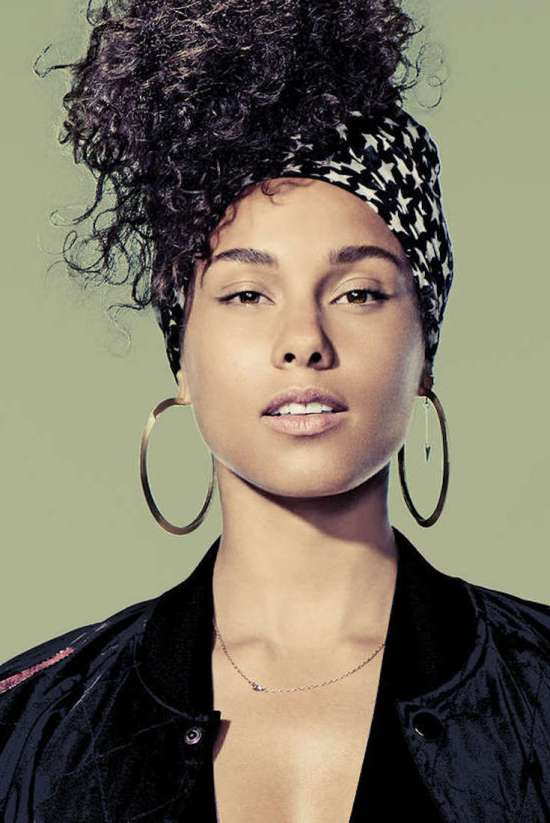 Alicia Keys, African American Entertainment, Black Entertainment, African American Singer, Black Singer, R&B Music, Grammys, KOLUMN Magazine, KOLUMN, KINDR'D Magazine, KINDR'D, Willoughby Avenue,
