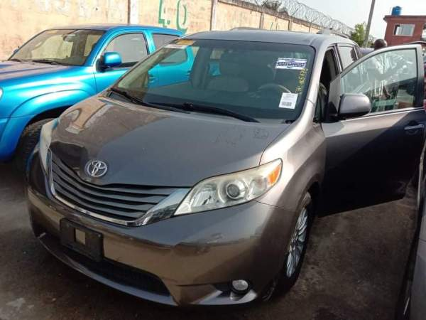 Used Toyota Sienna Cars In Nigeria For Sale