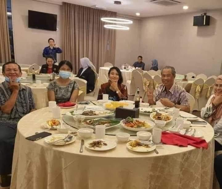 Veveonah shares photos of her with PM, Khairy on social media | The Star