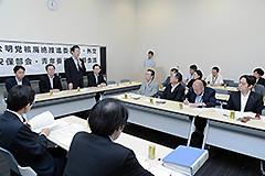 NPT再検討会議の結果について見解を述べる山口代表=26日 参院議員会館