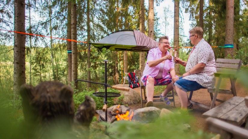 Visit_Tampere_Kommee_Kurki_cosy_BB_Tentsile-Glamping_Laura_Vanzo-6