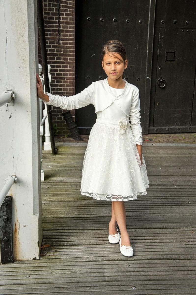 Monny  Das TrendKommunionkleid aus Holland passt perfekt