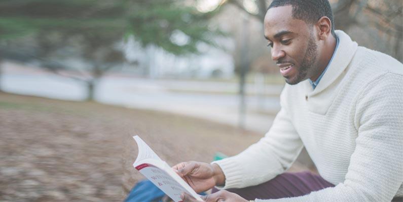 invertir en ti mismo leyendo
