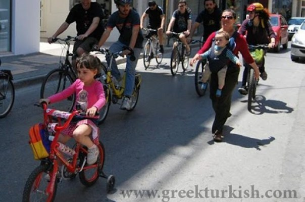 Evvel Zaman içinde bir kırmızı bisikletli kız varmış…