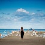 Perempuan Harus Move On dan Berani Hidup Sendiri