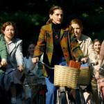 Film Mona Lisa Smile, Kisah Dosen Menolak Tradisi Feodal Perempuan di Kampus