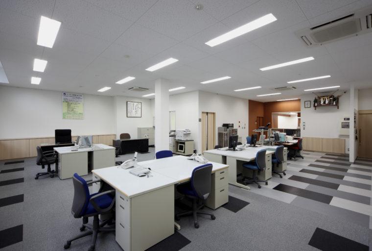 山室重機株式會社 本社改裝工事   実績紹介   近藤建設株式會社