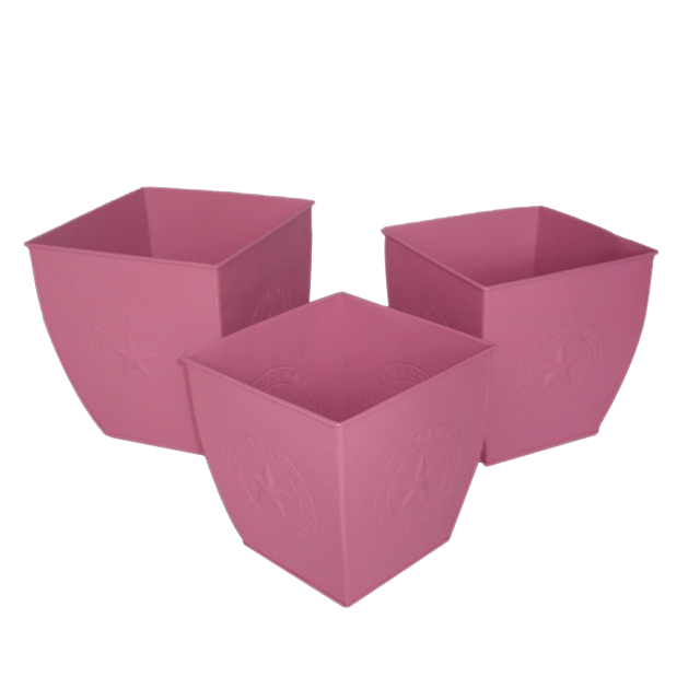 square metal planters manufactured by Kone Crafts