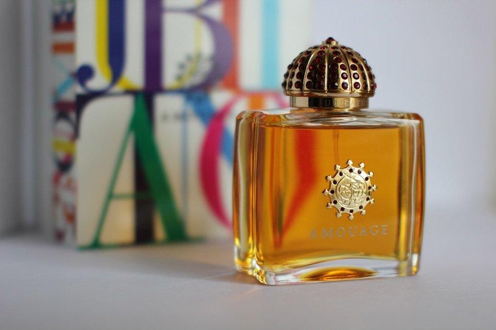 Jak parfém parfémy s feromony