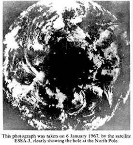 dziura na biegunie foto - 1967
