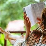 czytajaca kobieta