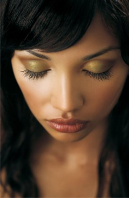 Benefits of Mineral Makeup And How To Apply It