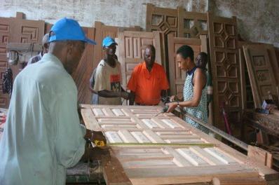Fatu in her Wood-workshop. Credit: wbi.worldbank.org