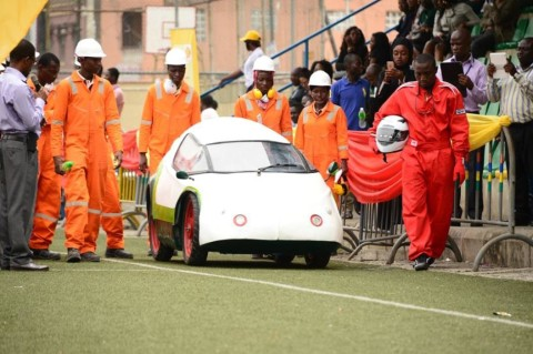 Technical Assessment session: Head, Eco-marathon project (technical and safety inspection) team, SPDC Mr. Mike Dawodu (left), with Team ABU members monitoring the performance of their car at the test-drive session in Lagos in preparation for the 2015 Shell Eco-marathon Nigeria