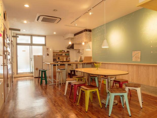 The Budget Traveller's Guide to Osaka - J-Hoppers Osaka Guesthouse