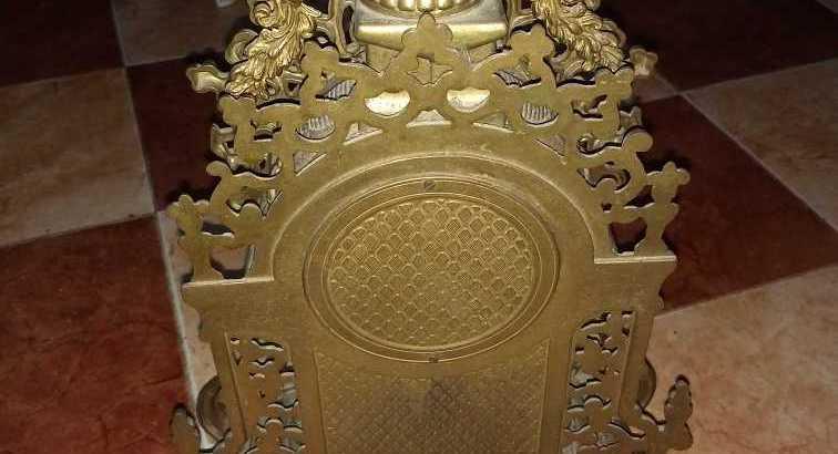 ساعة نحاسية أثرية يهودية قديمة