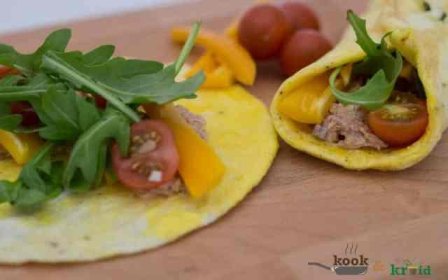 Wrap van ei met tonijnsalade