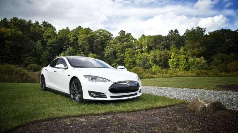 Elektrikli Araç Satışı 2040'da Geleneksel Otomobillerin Önüne Geçecek