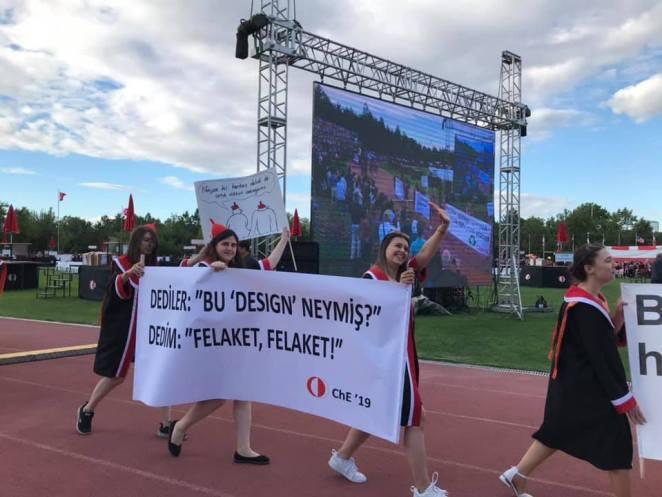 ODTÜ Mezun Oldu: Pankartlar Yine Bildiğiniz Gibi