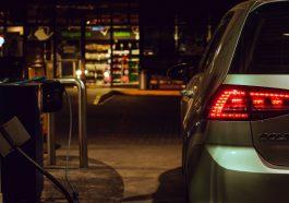 Araçlarda Daha Fazla Yakıt Tasarrufu Sağlamanın 13 Yolu