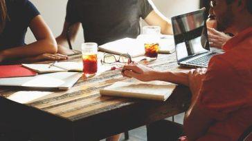 Kadınlarla Dolu Bir İş Yerinde Çalışmak vs. Erkeklerde Dolu Bir İş Yerinde Çalışmak