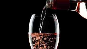 Rose Şarap Nedir ve Nasıl Yapılır? Rose Şarap Önerileri ve Özellikleri