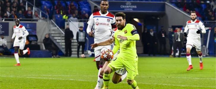 إصابة مدافع ليون قبل مواجهة برشلونة بدوري الأبطال