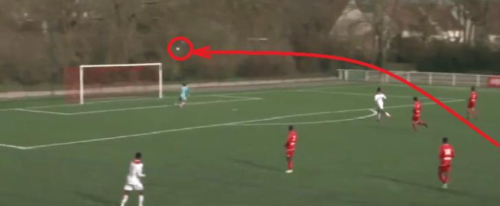 """بالفيديو.. موهبة برازيلية يسجل هدفا """"مبهرا"""" في الدوري الفرنسي"""