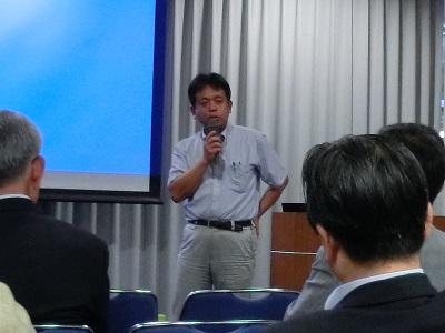 講演後の質疑に答える京大の矢野浩之教授
