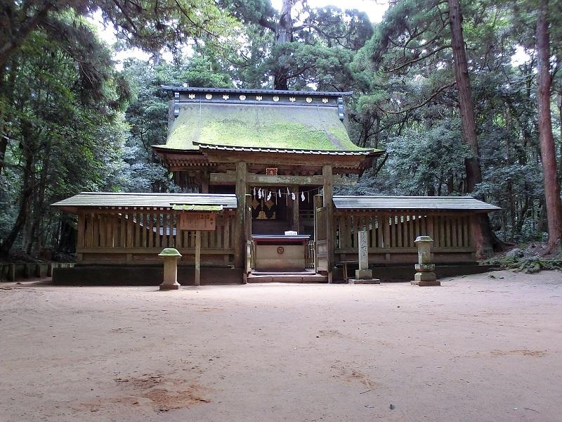 奥宮:徳川家康が奉納したかつての本殿