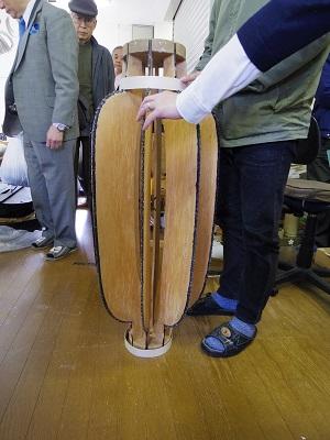 提灯の大きさ、形に合わせて作った木型