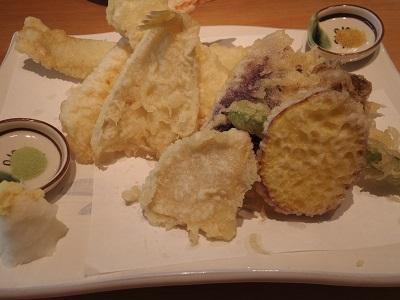 天つゆとカレースパイスで食べる天ぷらはなかなか、タケノコの天ぷらは初めてだった