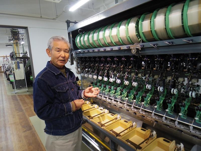 日本の製糸産業をけん引した「ニッサンHR-Ⅱ型自動繰糸機」(同上)