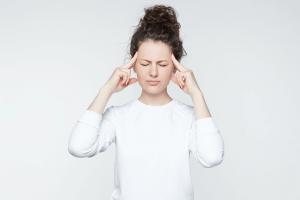Week 9 Pregnancy - Baby Size, No Symptoms, & Headaches