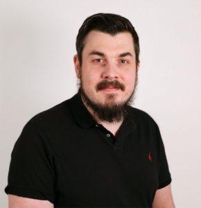 Pétur Fannberg Víglundsson er verslunarstjóri og 4. maður á lista Vg. í Kópavogi