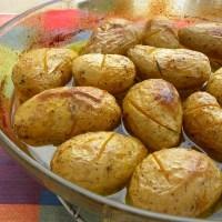 Πατάτες Γλυκόξινες στο φούρνο