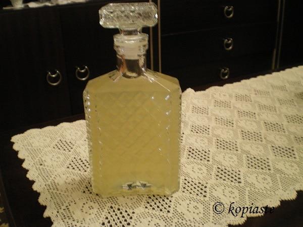 λικέρ περγαμόντο στο μπουκάλι