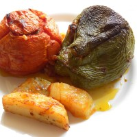 Γεμιστά (Ντομάτες και Πιπεριές Γεμιστές)