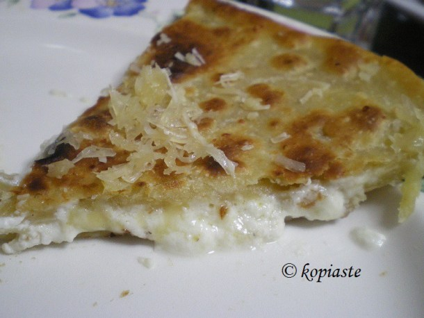 Τηγανόψωμο με τυρί