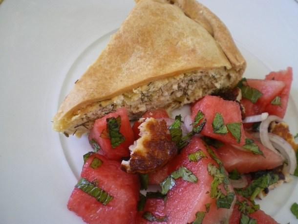 τυρόπιτα με μάραθο και σαλάτα καρπούζι εικόνα
