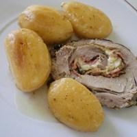 Χοιρινό Ρολό Γεμιστό, τυλιγμένο σε Αμπελόφυλλα